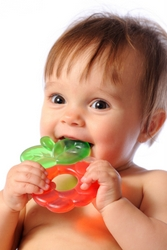 How Adults Wearing Teething Jewelry Can Help Kids